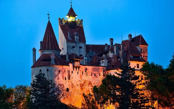 《惊情四百年》——布朗城堡