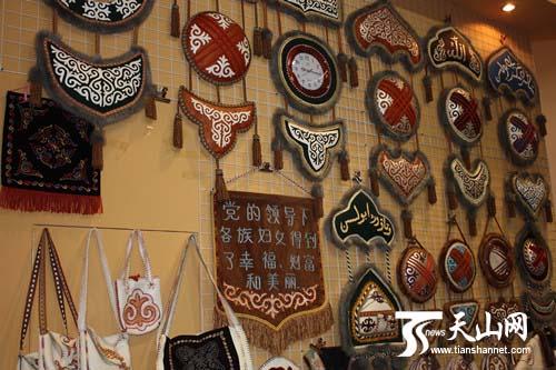 哈萨克刺绣展示