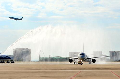 三亚凤凰国际机场2012年旅客吞吐量突破1100万再创历史新高