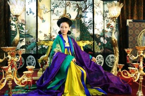 王娡先是嫁于金王孙并有一女