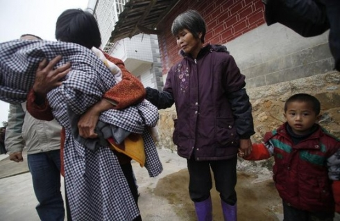 州一名计生干部参与贩卖婴儿 买主有公务员(组