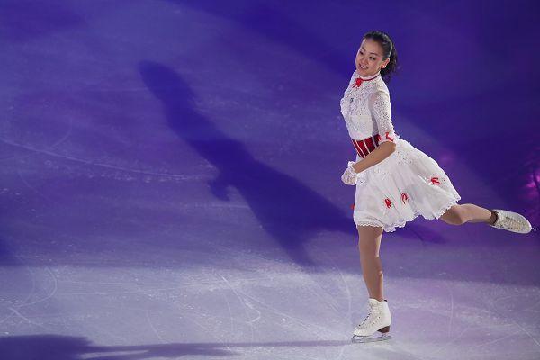 图文:日本花滑锦标赛 浅田真央美丽动人