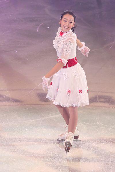 图文:日本花滑锦标赛 浅田真央美丽天使