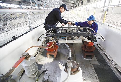 6120l的动车组将是京广高铁正式运行的首列列车-沱牌开出的和谐动车组