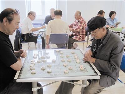 绿苑社区养老服务中心的老人们.