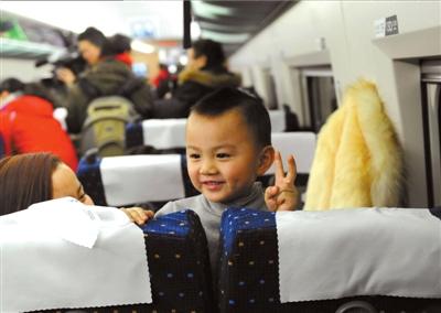 京广高铁正式迎客。本报记者王海欣摄