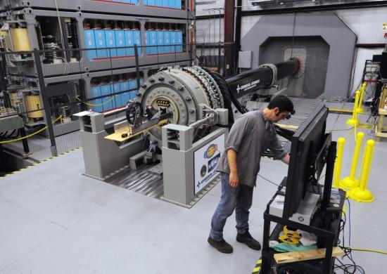 电磁轨道炮制作_atomics)为美国海军ddg 1000型隐身驱逐舰研制的电磁轨道炮方案