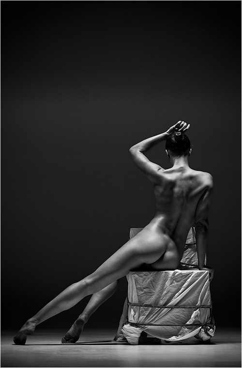 赤裸激情无限裸露表现极限人体美 搜狐女人