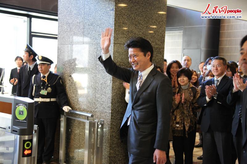 玄叶光一郎离开外务省 记者 蒋丰摄