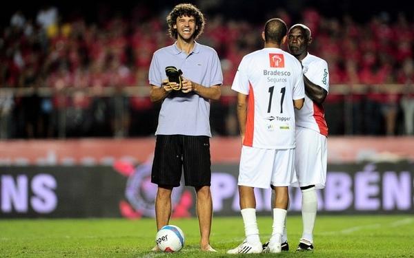 28日消息,前巴西足球巨星、有着白贝利美誉的济科在圣保罗举办了图片
