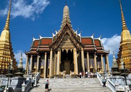 泰国著名旅游景点:曼谷大王宫资料图