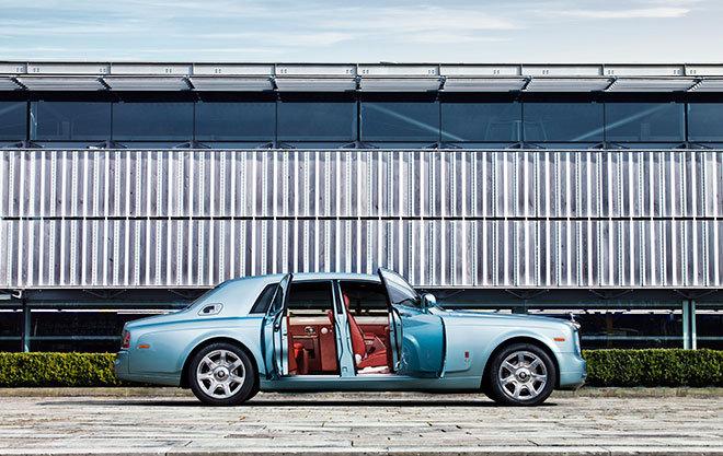 """1、罗尔斯-罗伊斯102EX""""电动实验幻影""""(Phantom Experimental Electric)汽车,30亿美元"""