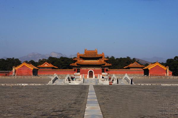雍正的泰陵,居于陵区的中心位置,是西陵<a href=