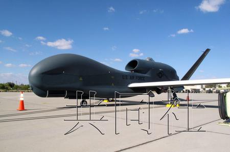 """图为""""全球鹰"""",2010年10月摄于美国加州爱德华兹空军基地。共同社"""
