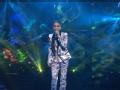 《2013东方卫视跨年晚会》片花 那英青花瓷套装出场演唱《花一开满就相爱》