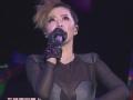 《2013湖南卫视跨年晚会》片花 谭维维演唱《路漫漫》