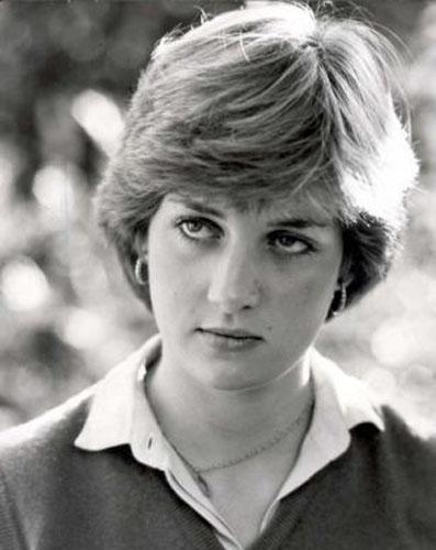 戴安娜王妃生前瑞士度假秘照-戴安娜生前与神秘男子约会亲密照曝光