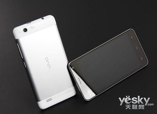 纤薄源自卓越设计 人气超薄智能手机逐个数