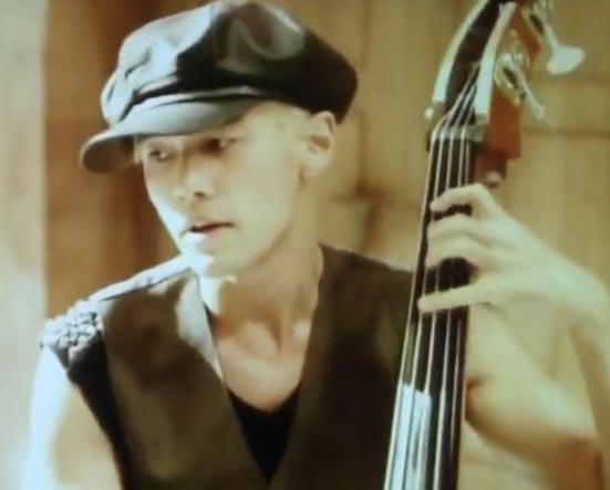周杰伦《比较大的大提琴》