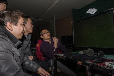 首届2013新年实况足球挑战赛落幕 brt2号线司机阿里木