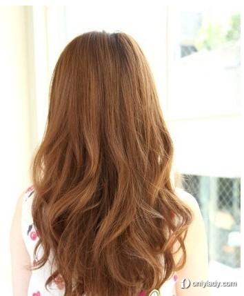 层次的感觉十分清晰,加上人气的棕色发型,清新的感觉难以抵挡
