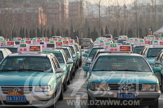 """出租汽车 (550x367); 今天带着智能顶灯系统的""""泉城的士""""车队在济南图片"""