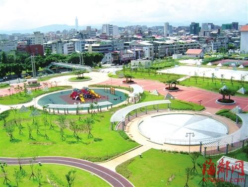 污水处理厂完全地下化,地上则建起了公园