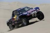 图文:达喀尔赛第二赛段 塞恩斯冲上沙丘