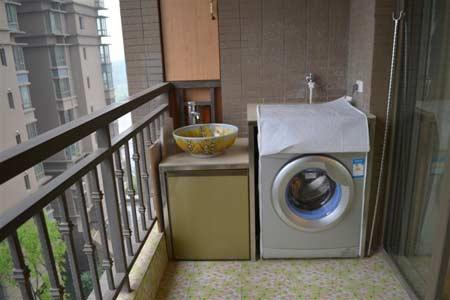 阳台洗衣柜子效果图