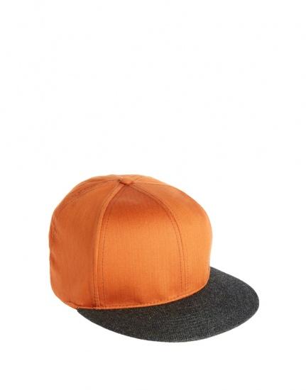 亮橙色棒球帽