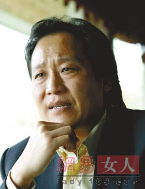 刘亦菲稀拥有私房钱钱细嫩照曝光 曝刘亦菲与干爹老金飞暧昧情事