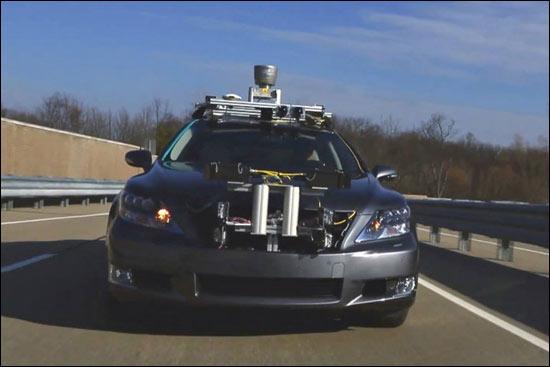丰田展示无人驾驶汽车 于1月8日CES发布高清图片