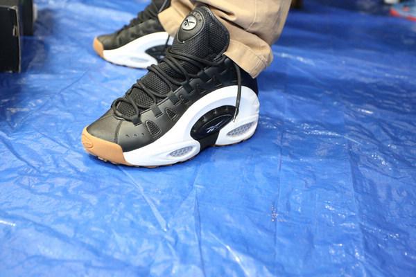 这里你可以见到各种球员PE、sample、Air Jordans、Foams以及去