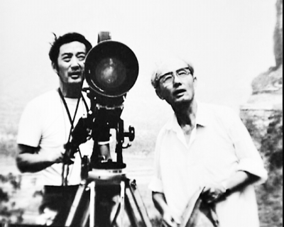 本报讯 八一电影制片厂著名电影导演李俊于7日上午10时因病逝世,享年91岁。