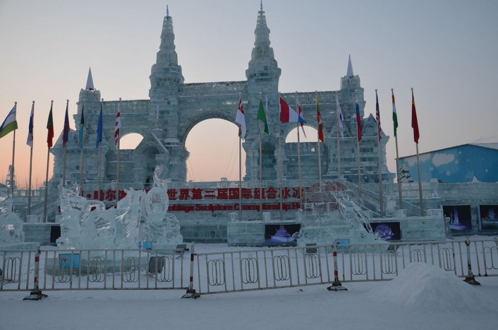 吕喆:美丽的哈尔滨冰雪节世界美景(一)(组图)