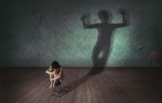 年少的故事:背后灵;; 奥地利年轻摄影师的概念作品