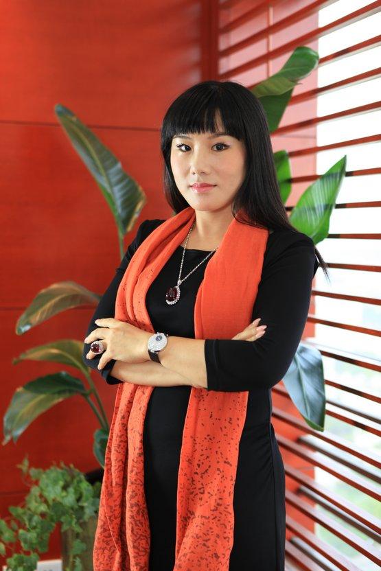 钻石世家陈小凤获选2012最美女性企业家组图
