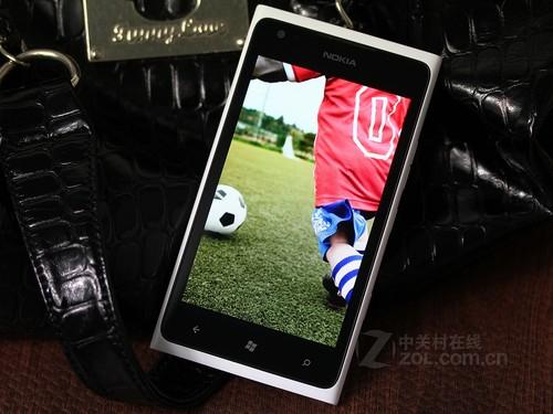 时尚WP手机 水货诺基亚900现仅售1900元
