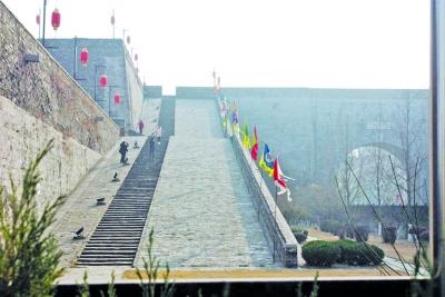 人偶拆除后的中华门城堡 网友葛朗台