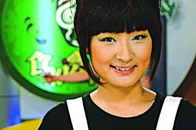 ... 东南 卫视 女 主持 人 赵 媛 是 福建 东南 电视 台