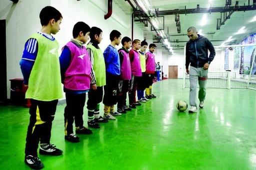 乌鲁木齐市第五小学着力培育足球新苗(图)