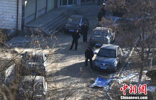 1月11日,甘肃张掖市甘州区街道上出租车已全部恢复正常运营。 杨艳敏 摄
