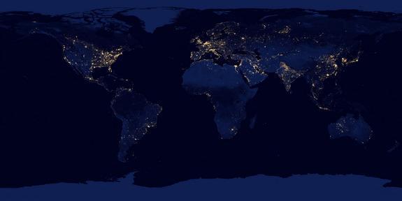 太空俯拍地球夜晚:不列颠群岛灯火辉煌(图)(1)