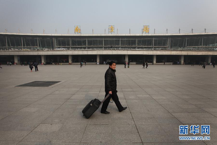 南京:网络、电话预订有效缓解窗口春运购票压力