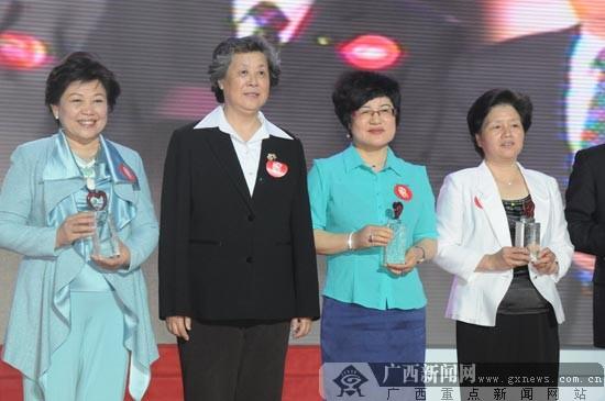 中国十大慈善家排行榜_民政部将推大陆慈善家排行榜及中国10大慈善家
