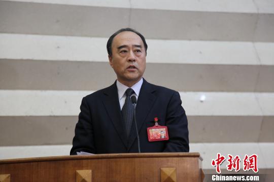 白天离任深圳市政协主席发表临别赠言 王梓丞 摄