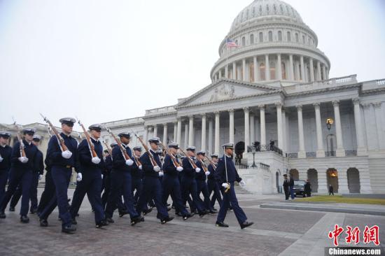 美国总统就职典礼临近 奥巴马亲自筹款操办仪式