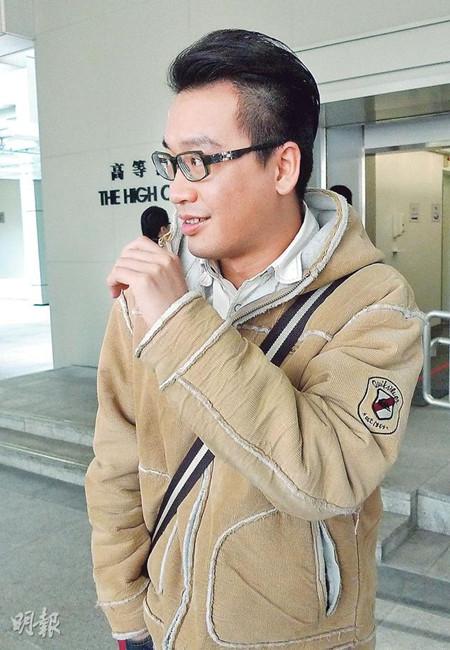 案发当天报警的路人蔡子恺(图)昨表示,因误会被告与事主相识而未有实时制止。他作供完毕后获法官当庭赞许。香港《明报》