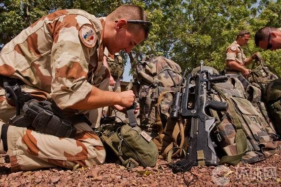 法军地面部队向马里发动攻势
