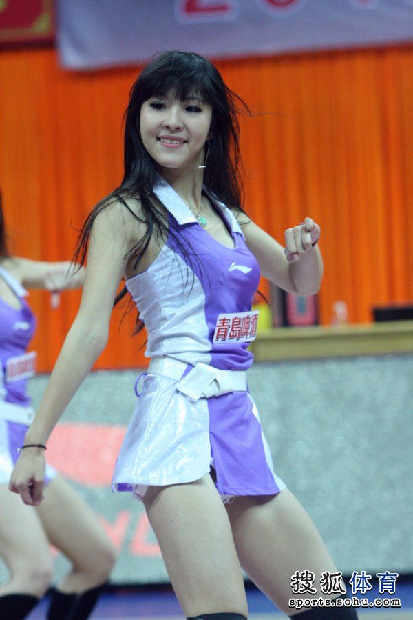 组图:东莞篮球宝贝身材火辣 性感美女激情热舞